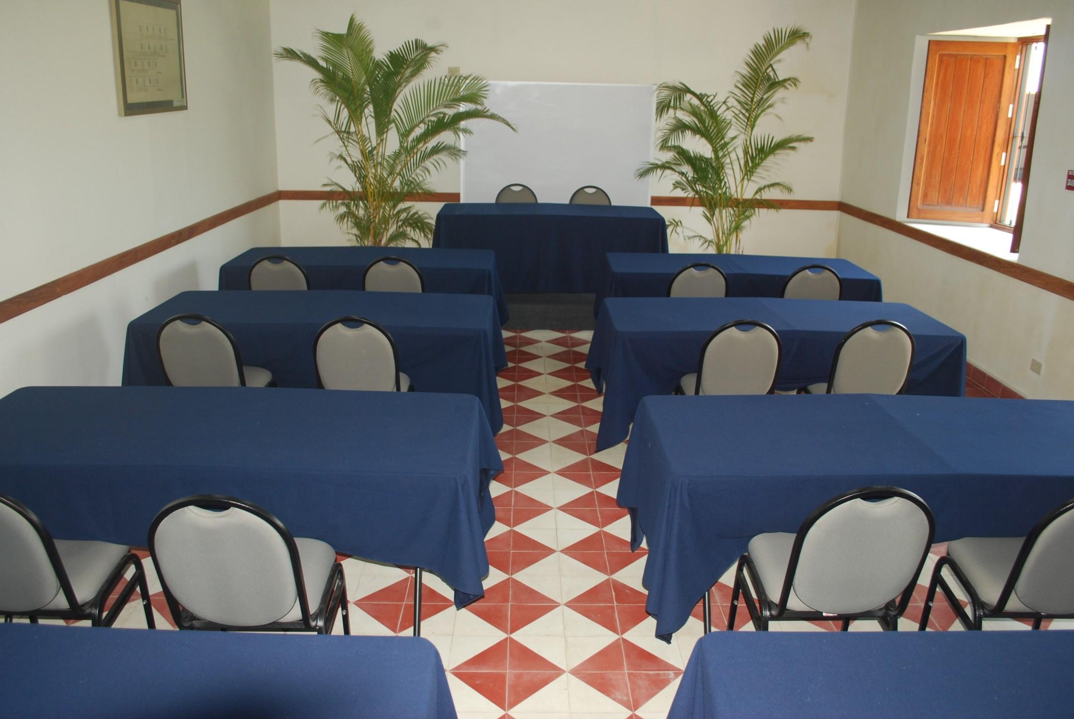 http://haciendabocanegra.com/images/chbn_HhQMtULM5J_large-1080_fC9KB.JPG