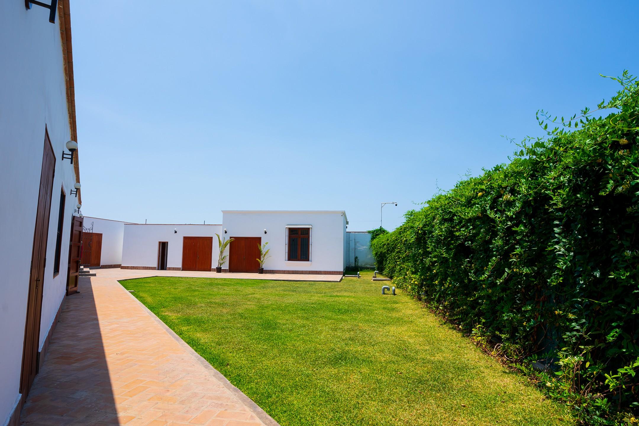 http://haciendabocanegra.com/images/chbn_PvsPp1131O_large-1080_gzwVM.jpg