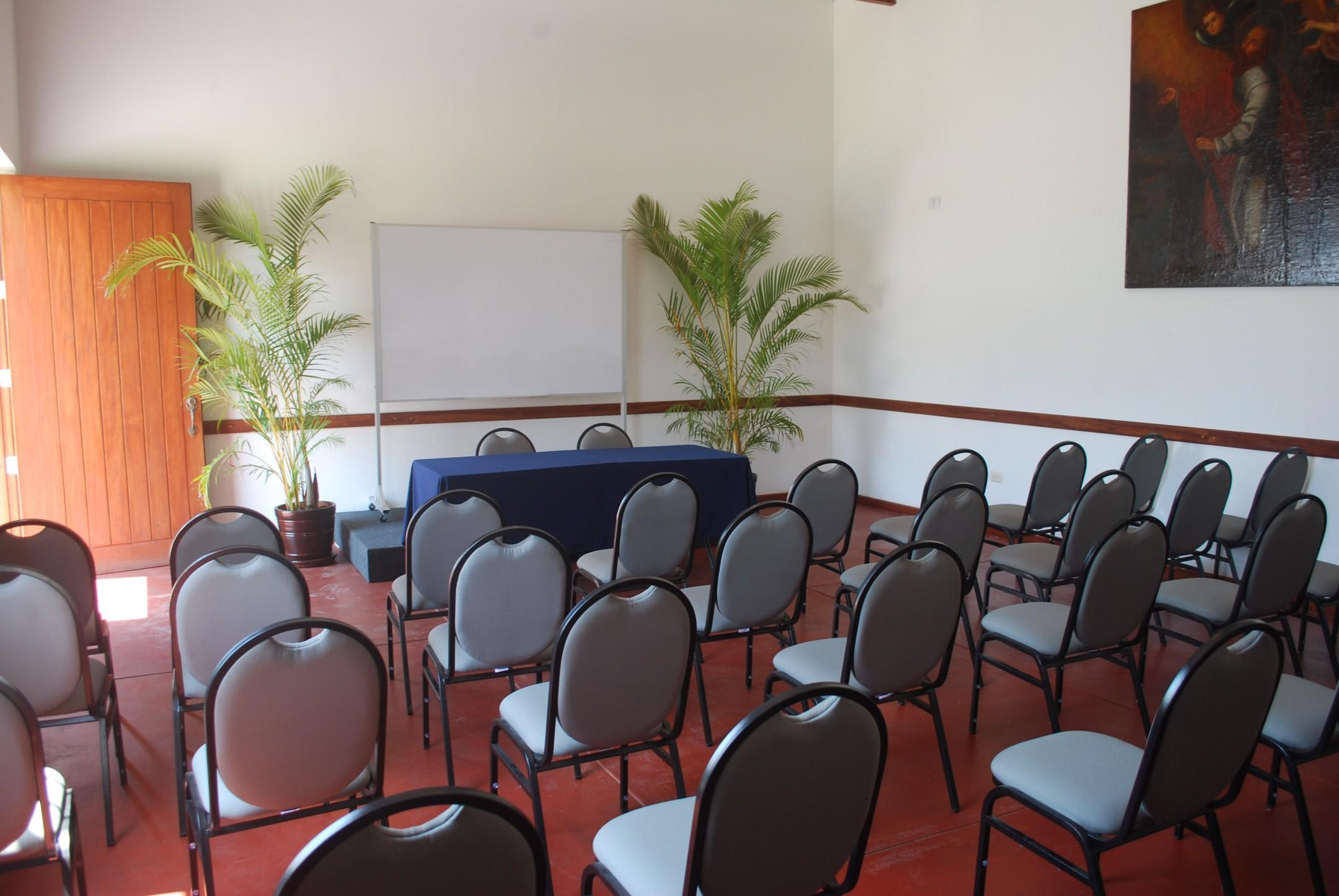http://haciendabocanegra.com/images/chbn_UQV134nvEB_large-1080_4hpyW.JPG